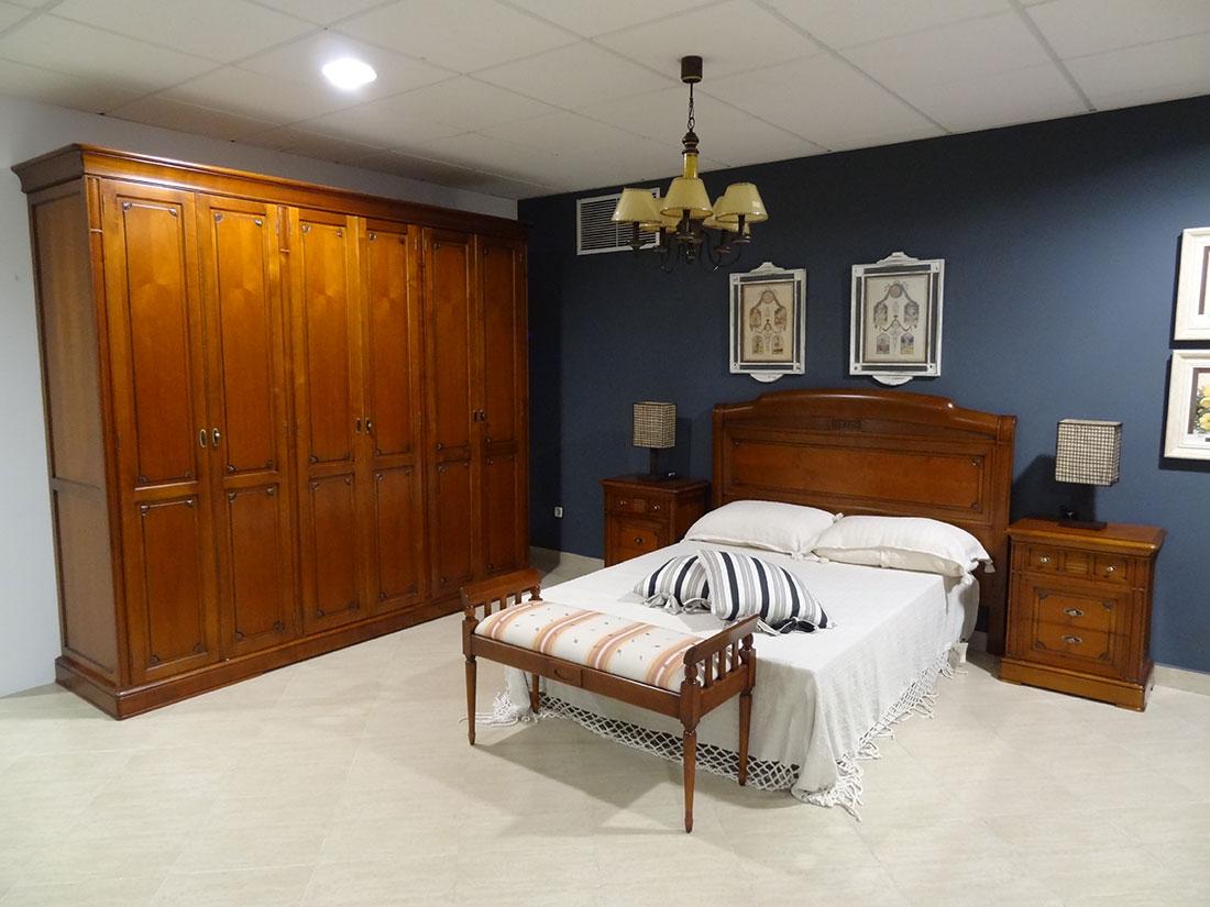 Dormitorio en madera de haya y cerezo