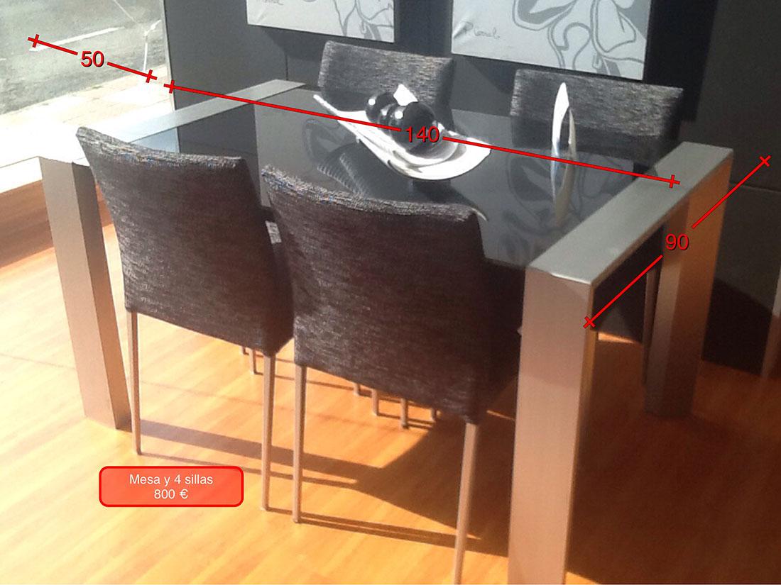 Mesa en metal y cristal y cuatro sillas tapizadas p mes2 for Mesa y sillas tapizadas